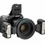 Nikon R1 Wireless Close-Up Speedlight System mounted on the camera