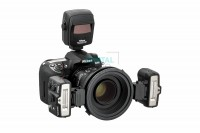 Nikon R1C1 Wireless Close-Up Speedlight System mounted on the camera